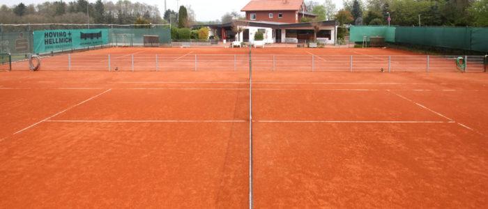 Tennisanlage mit eigenem Clubheim Foto: Norbert Quint