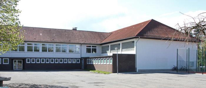 Alte Spoprthalle an der Grundschule Foto: N. Quint