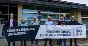 Vorsitzende der Sportvereine aus Wallenhorst mit Banner