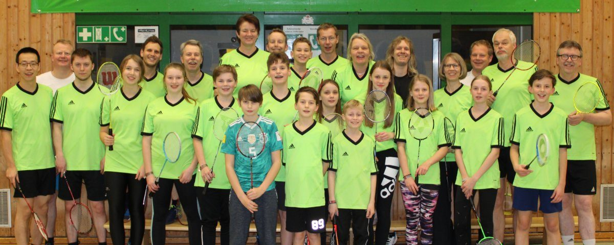 Badmintonabteilung in neuen Trikots
